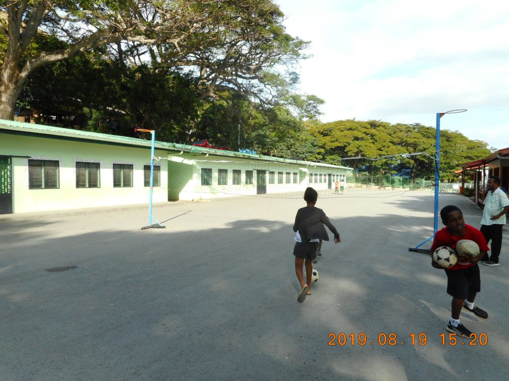 パプアニューギニア2日目:学校訪問