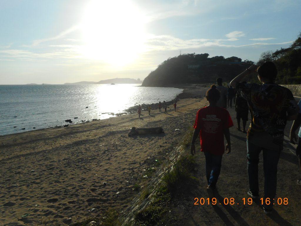 パプアニューギニア2日目:砂浜
