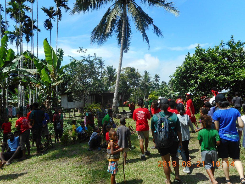 パプアニューギニア4日目:リゴ村を散歩