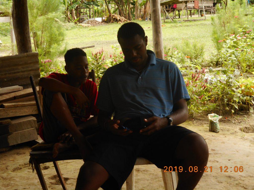 パプアニューギニア4日目:お笑い番組