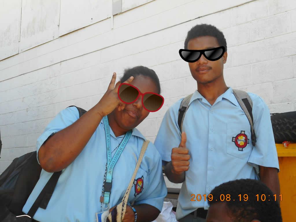 パプアニューギニア2日目:高校の制服