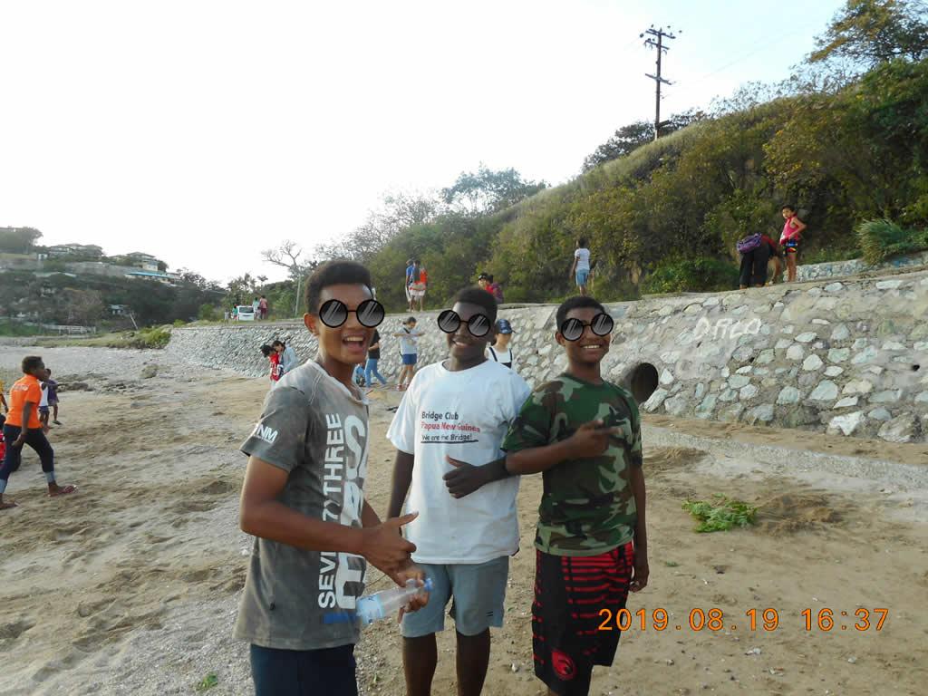 パプアニューギニア2日目:いい人ばかり