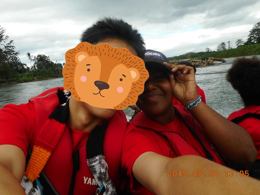 パプアニューギニア3日目:リゴ村へ向かう船の中